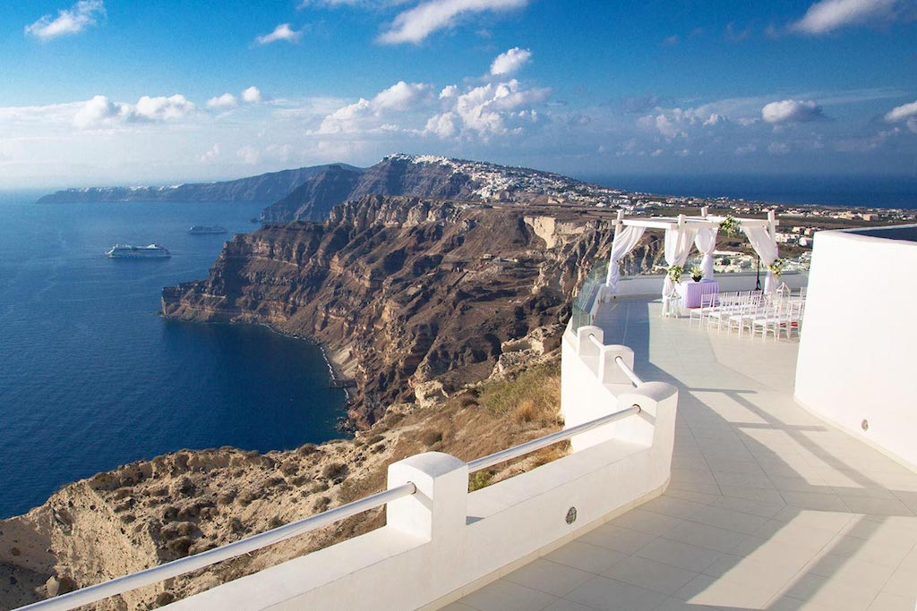 Wineries-to-visit-in-santorini/